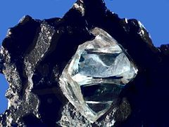 240px-Rough_diamond